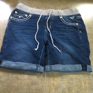 Girls size 14 shorts from Justice.